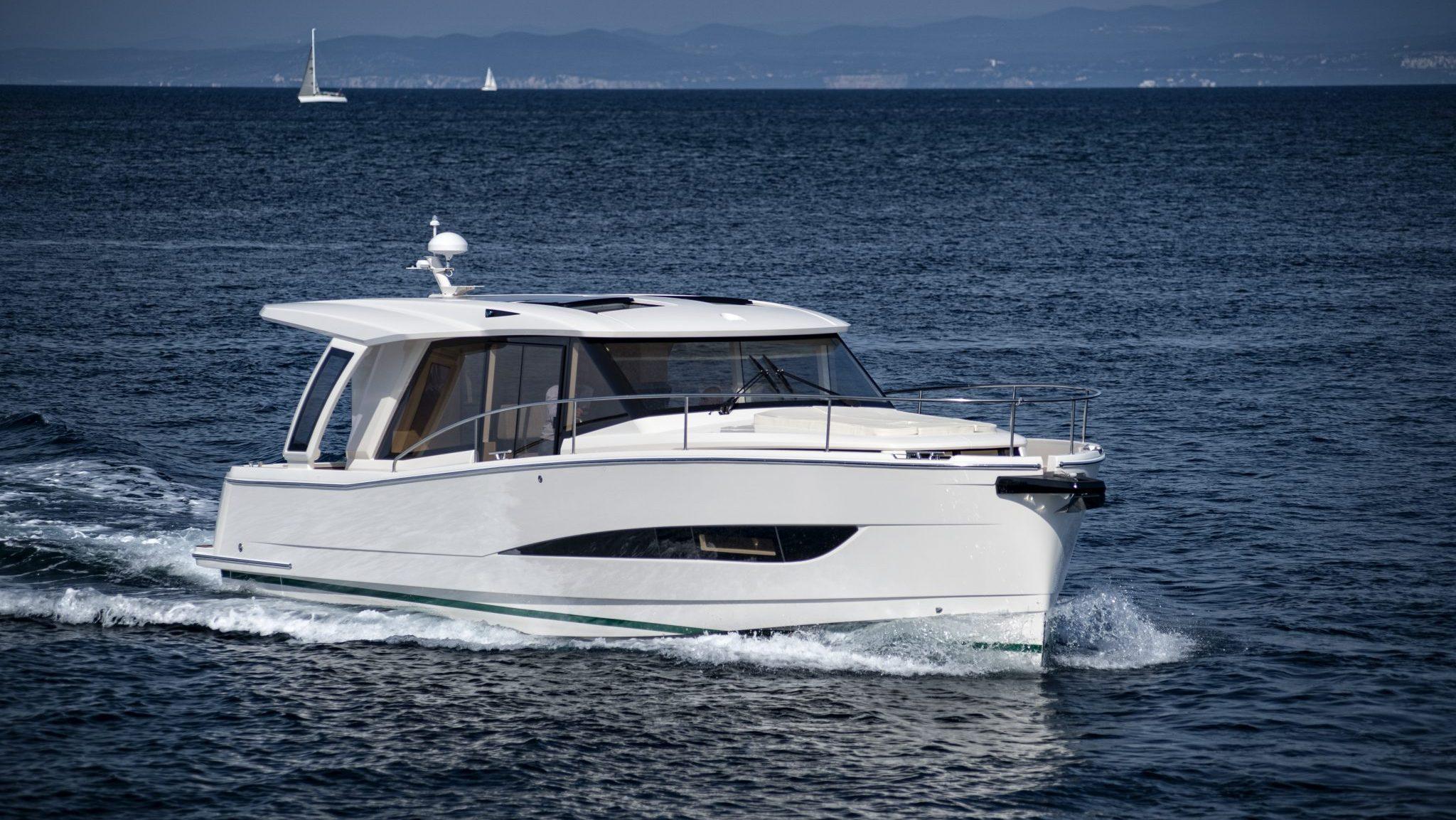 Greenline, Eyachts Australia and New Zealand