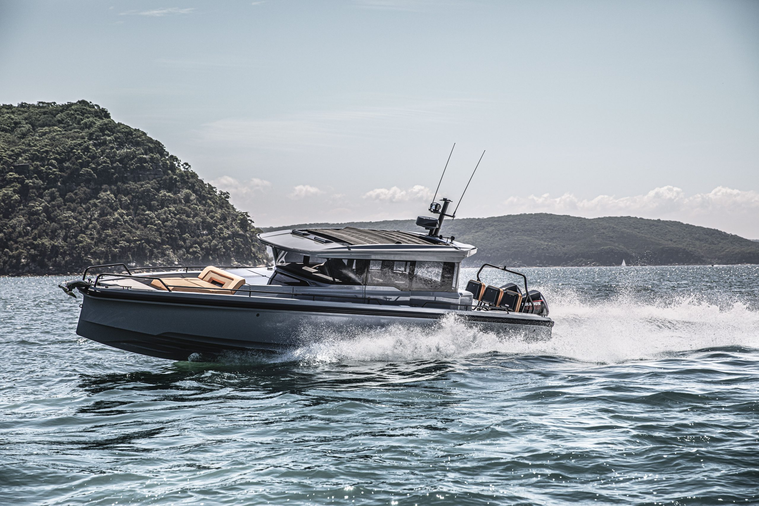 BRABUS Shadow 900 XC Australia Eyachts